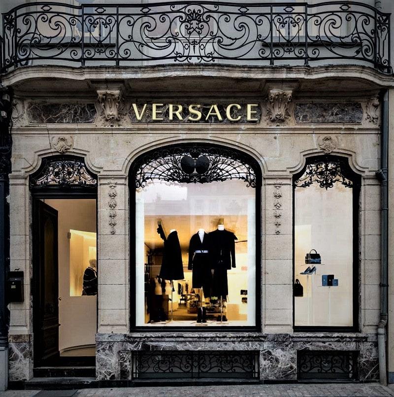 Фасад дома моды Versace
